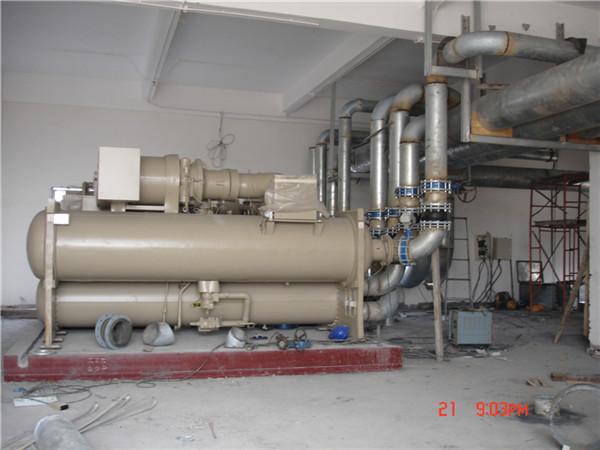 中央空调主机管路连接系统